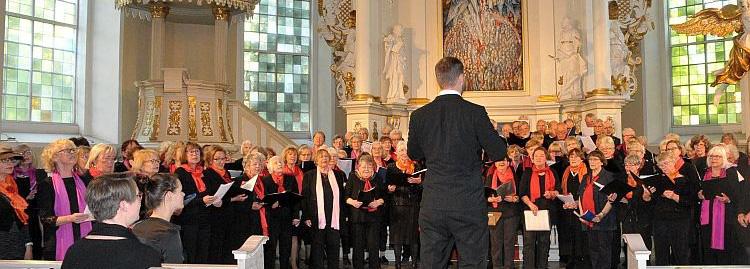 älter & besser beim Auftritt in der Christianskirche
